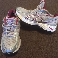 Women's silver and pink asics running shoes Philadelphia, 19135
