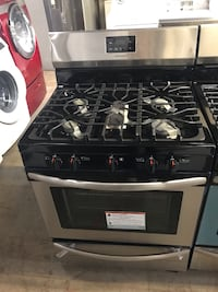 New Frigidaire stainless steel gas stove 5 burners 6 months warranty