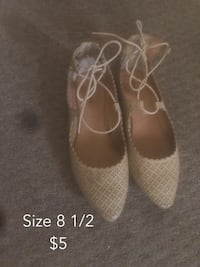 size 8.5 gray perforated leather pointed strappy flats Wenatchee, 98801