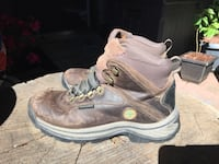 Size 8 Used Timberland women's hiking shoes 3752 km