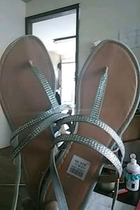 pair of silver sparkle leather sandals Erie, 16502