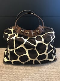 Michael kors giraffe print shoulder bag