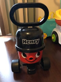 Henry sit and ride car. Casdon Henry marka ilk arabam