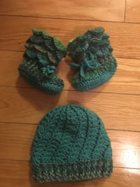 3-6 month hat and booties Central Okanagan, V4T