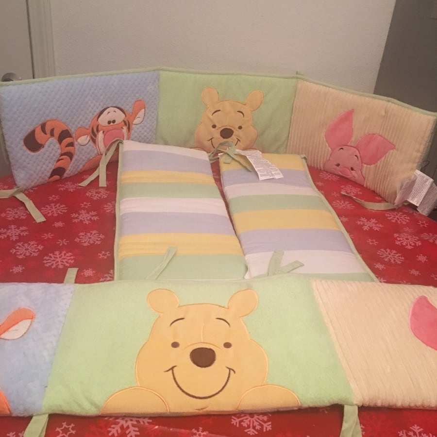 Winnie the Pooh Crib Bumper Pad(Price Not Negotiable) Pick Up Only