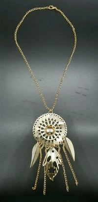 gold chain link necklace with round pendant Upper Marlboro, 20772