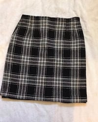 woman's skirt size 8p, like new Dearborn Heights, 48125