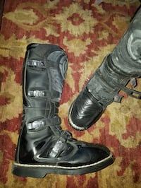 New Leather Mooseracing boots size 10