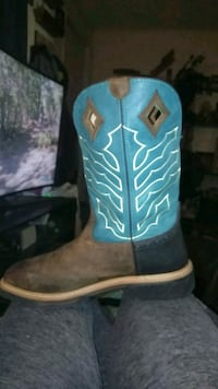 blue and brown leather cowboy boot 1123 mi