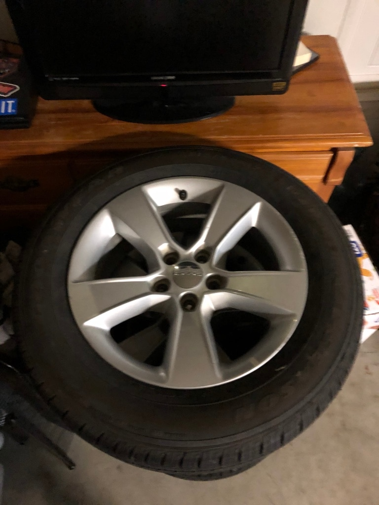 Photo 2014 dodge charger stock rims new tires