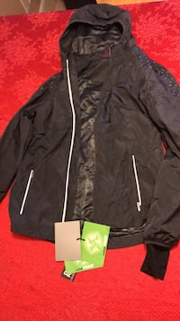 Ladies Redx Jacket, size M, High Performance, brand new, wind proof, water proof Langley, V3A 3X6