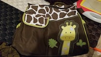 white and brown giraffe printed diaper bag Brossard, J4Y 1A6