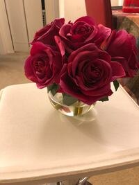 Beautiful flower vase with artificial red roses Mc Lean, 22102