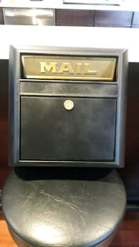 Mailbox, cast aluminum, wall mount
