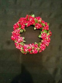 Cute berry wreath to sit around candle etc