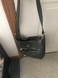 Dark green Rossetti purse, lots of pockets, just too small for me Parkersburg, 26104