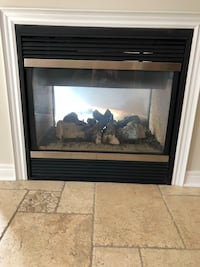 2 way gas Fireplace, great condition, pick up in Aurora Аврора, L4G 6S4