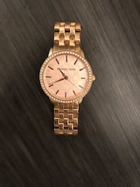 round gold-colored Michael Kors analog watch Manchester, 03102