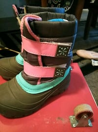 Little Girls Sno Boots size 12