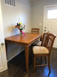 Counter-Height Kitchen Table w/ 6 Chairs Alexandria, 22305