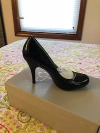 Size 5 1/2 used once $10 Lowell, 01851