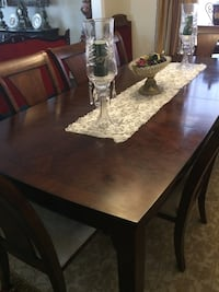 Rectangular brown wooden table with six chairs dining set Brampton, L6V