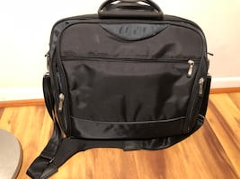 Heavy duty computer bag clean and excellent condition