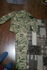 green and brown camouflage jacket Toronto, M9C 4V9