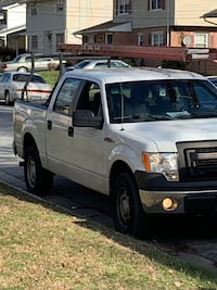 2013 FORD F150 xl V8 Flex Fuel 173,890. Highway miles NO ISSUES