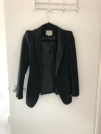 Chic Black Blazer with Shoulder Up Size XS Montreal