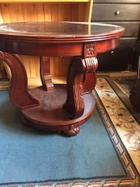 Beautiful cherry wood accent or side table Barrie, L4N 8P5
