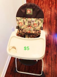 baby's white and red high chair Richmond, V7E 1G4
