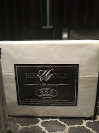 King size bed sheets all white or Grey Laval, H7W 4G8