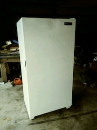 white single-door Gibson, freezer Lebanon, 97355