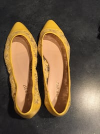 Nine West yellow fabric flats