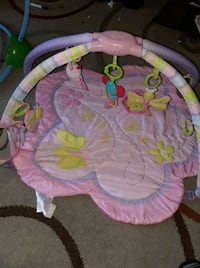 baby's pink and green activity gym Castroville, 95012