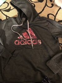gray and pink pullover hoodie Tacoma, 98418