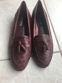 Leather shoes Mississauga, L5W 1X4