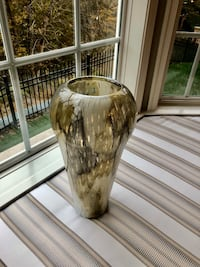 Brand new vase from perigold. Just out of box. Leesburg, 20176