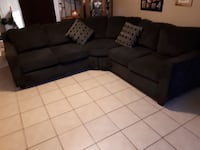 Almost new couch Thorold, L2V 3T6