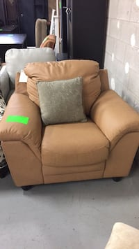 NEW Palliser Leather Arm Chair  Toronto, M1X 2E4