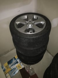 Mazda 3/5 17 inch rims and all Season tires with 60% tread 3730 km