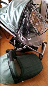 Uppababy stroller and bassinet Toronto, M3H