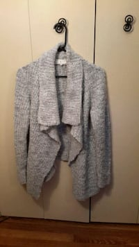 gray knit sweater. Small Catonsville, 21228