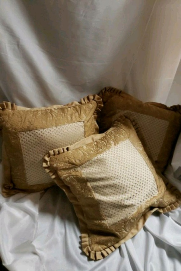 Used 3 Throw Pillows With Removable Cover For Sale In Oklahoma City