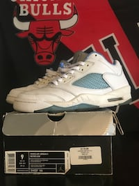 unpaired white and gray Air Jordan 5 shoe with box Warwick, 02889