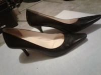pair of black leather pointed-toe pumps Winnipeg, R3C 0L3