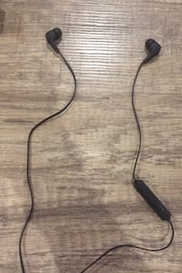 Selling bluetooth earbuds