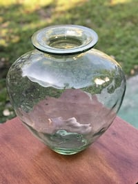 "glass vase 14"" tall x 13"" wide perfect condition Bradenton, 34207"