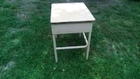 kids school desk and it old but bulit strong Edmond, 73034